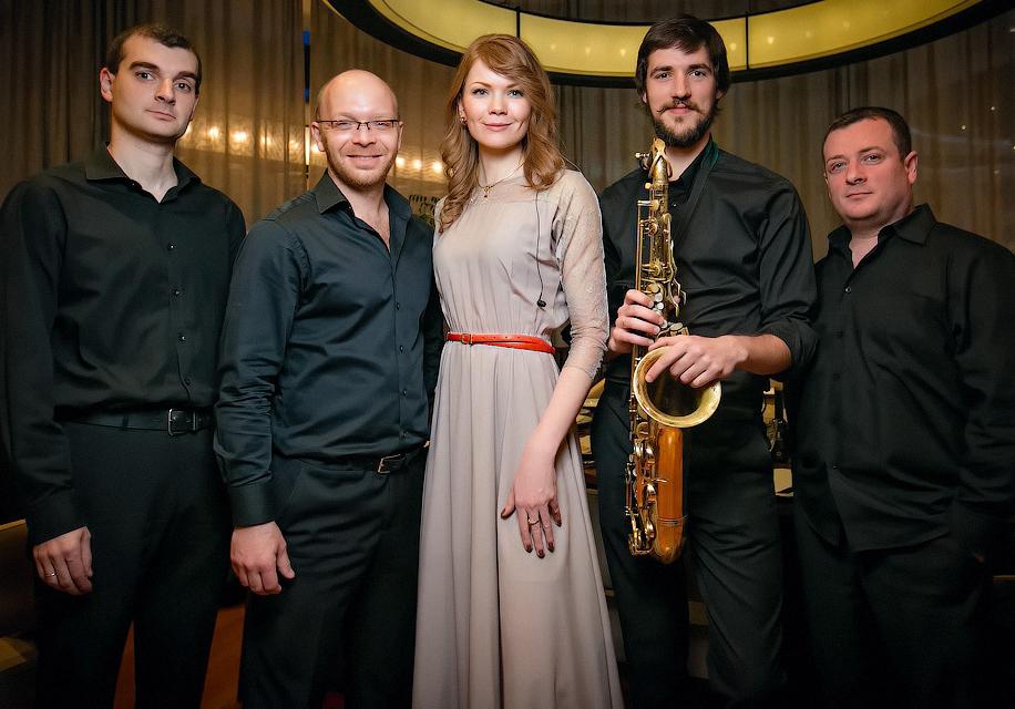 DARIYA-Jazz-Masters-BackstageRest